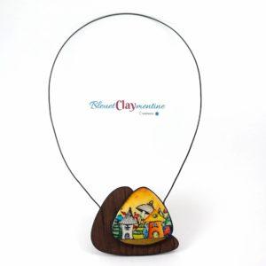 Collier féerique jaune champignons et maison imitation bois