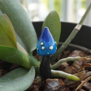 Champignon bleu – déco de jardin féérique