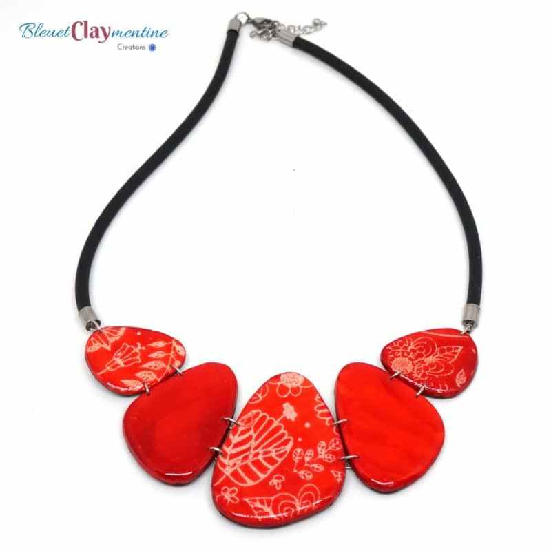 collier artisanal rouge motif fleur nature polymerclay necklace