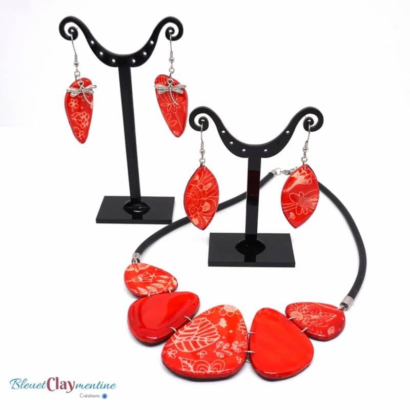 collier et boucles d'oreilles rouge nature fleurs polymerclay