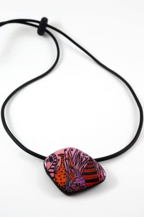 collier féérique rouge polymère