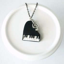Collier Piano à queue noir et blanc