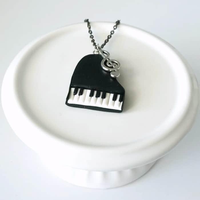 collier piano clef de sol fimo