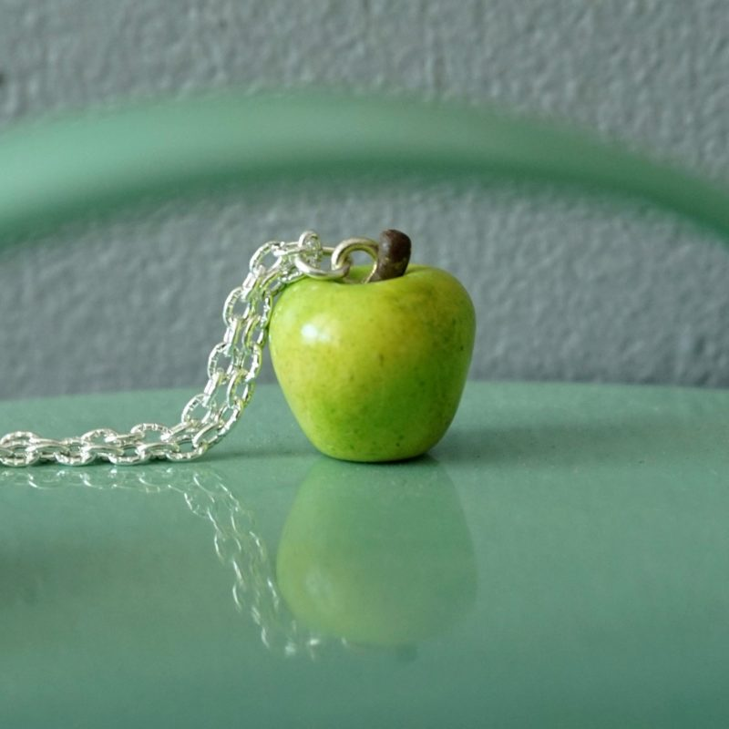 collier pomme verte fimo