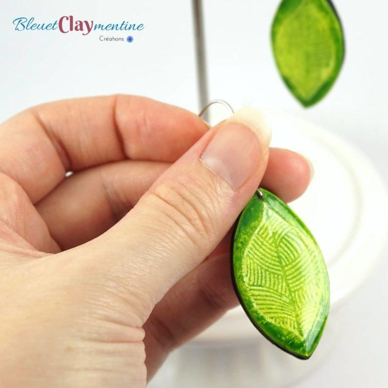 boucles oreilles verte batik argile polymère fimo