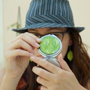 Miroir de poche feuilles vertes – Miroir rond décoré