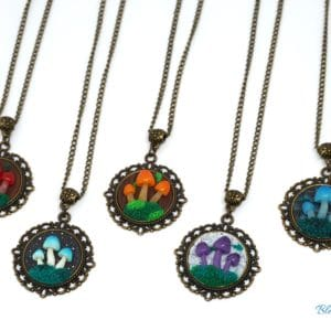 Collier féerique champignons – plusieurs couleurs