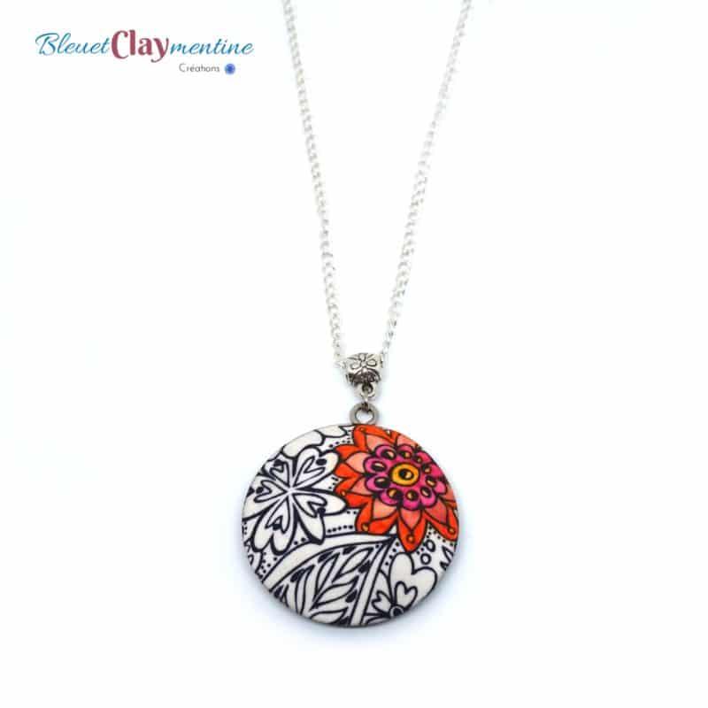collier sautoir fleuri noir et blanc fleur rouge polymerclay